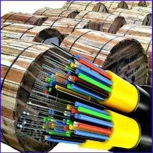 Cáp quang treo kim loại 72FO