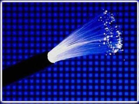 cáp quang là sản phẩm tốt nhất hiện nay để truyền dữ liệu tốc độ cao với suy hao thấp nhất